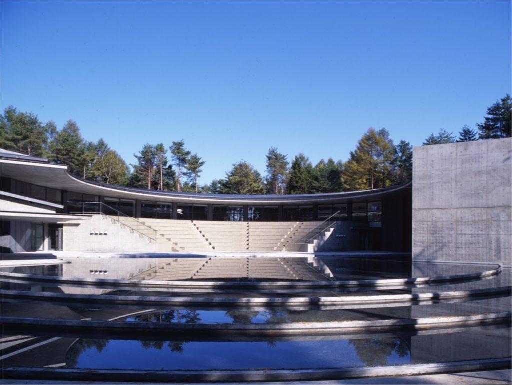 国際芸術センター青森